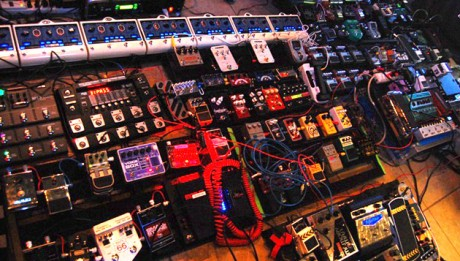largest-guitar-pedalboard-460x261